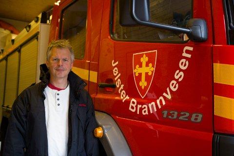 IKKJE VARSLA: Brannsjef i Jølster, Tor Arild Segtnan, vart ikkje varsla om arbeidsulykka i Jølstra kraft. Eit overtramp, meiner han.