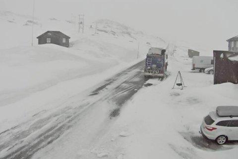 UVÊR: Bildet er frå Sognefjellshytta på 1400 moh. fredag morgon.