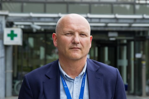 Klar med ambulanseplan:  Arve Varden, administrerande direktør i Helse Førde, seier planen for prehospitale tenester no blir sendt ut på høyring.