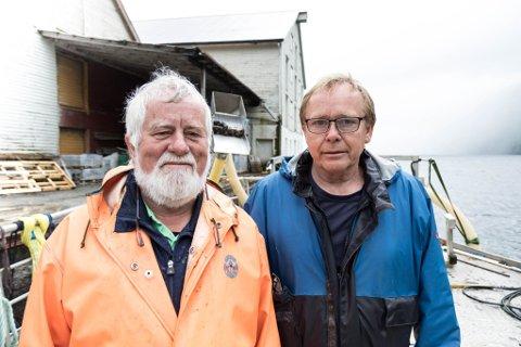 JOBBAR SAMAN: (f.v.) Jostein Sylta i Ariel Seafood og Arne Nistad i Dalsfjorden Skjell jobbar saman for å få haustinga gjort.