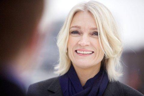 GROVE BROT: Stine Neverdal i Finans Norge seier dei verste forsikringssvindlarane prøvar å svindle til seg fleire millionar kroner.