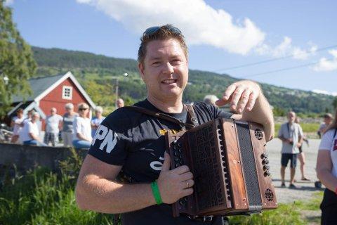 Bjørn Ravnestad fortel at han hadde lyst til å bidra til arrangementet «Pederhusveka», sjølv om han har flytta vekk frå Breim.