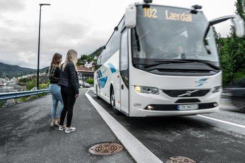BILLEGARE: No blir det billegare å reise med buss i Vestland fylke. (Illustrasjonsfoto/arkivfoto)