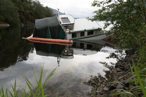 BETRE KONTROLL: Tresnekka ligg no i området til Førde Båtlag inst i Førdefjorden.