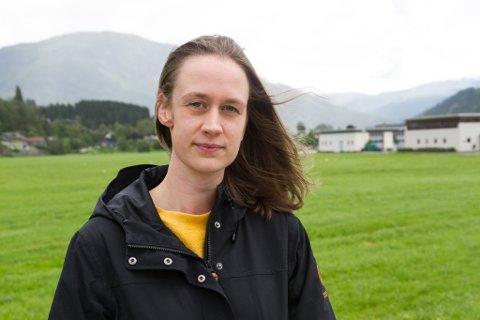 Anna Sæle Barlund er sjukepleiar ved kreftavdelinga ved Førde sentralsjukehus. I si masteroppgåve frå NTNU avdekkar ho manglar ved tilbodet til pasientar som ønsker å døy heime.