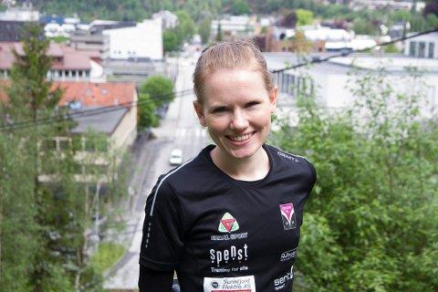 NY KRINSREKORD:  Karoline Holsen Kyte (26) frå Førde tok i helga ny krinsrekord i 5000 meter.