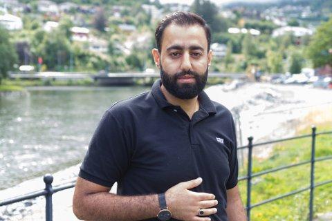 Ayad Mawloud, talsmann for Førde islamske senter, fortel at mange var redde etter at ein nordmann angreip ein moské i Bærum laurdag.