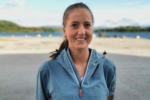 BRUK STEMMERETTEN: Line Rotihaug (28) oppfordrar unge til  å førehandsstemme før dei reiser for å starte studieåret.