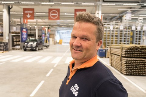 STOLT SJEF: Rune Øksenberg er varehusjef for Obs Bygg Førde.