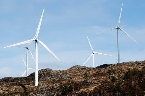 VINDMØLLER:  Del av Midtfjellet vindpark i Fitjar kommune. Foto: Jan Kåre Ness / NTB scanpix
