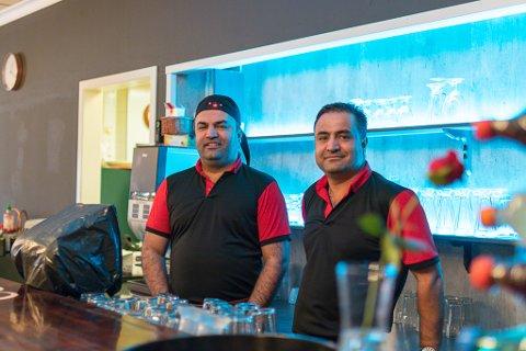 OPNA RASKT: Brørne Mustafa og Murat Tumer kjøpte tilbake utstyr og inventar for knapt 100.000 kroner og starta serveringsstaden med same namn tre veker etter konkursen i fjor sommar.