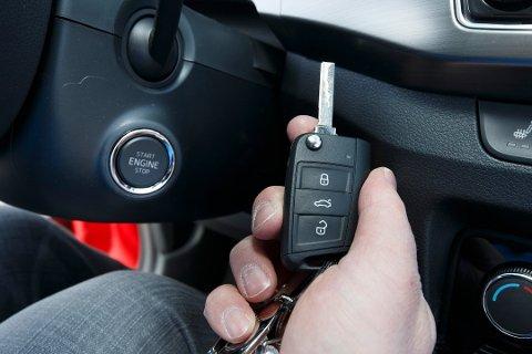 STOR VERDI: Bilnøkkelen er av stor verdi. Mange tenker nok ikkje over at dei i realiteten har fleire hundre tusen kroner i lomma. Foto: Heiko Junge / NTB scanpix