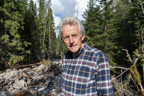 Erik Solheim skriv at Energi let seg ikkje produsere, vi kan berre endre forma.