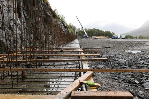 KAOTISK: Rådmann Ellen Jensen er lite nøgd med prosessen knytt til grunnarbeidet til fotballhallen på Skei.