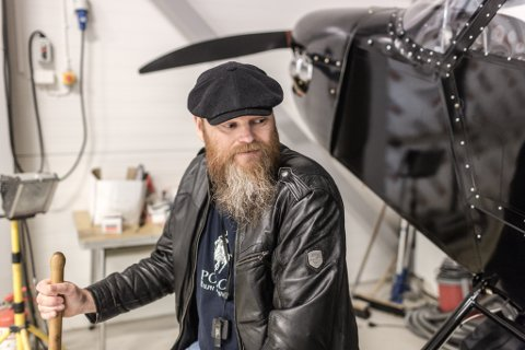 HELSA HELDT IKKJE: Jarle Kirketeig må sjå flyet fyke vidare, utan han.