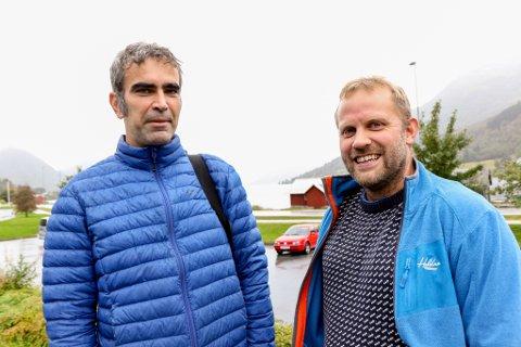 JØLSTER ADVENTURE: Carl-Richard Nyborg-Christensen (t.v.) og Olav Sægrov vil lage sykkelsti i skogen opp mot Håheimsfjellet.