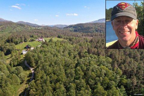 VIL SELJE DETTE: Ein stor eigedom i Eikefjord har lege ute for sal i over eit år.