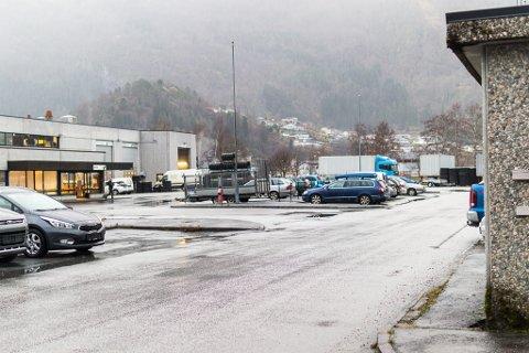 Førde Vulk - tiltak 20 Førdepakken bru over Jølstra frå Halbrendsøyra til