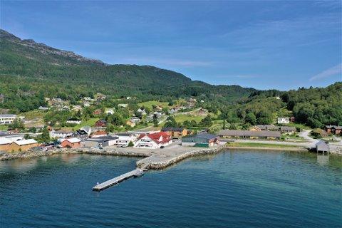 SENTRUM: Eikefjord brygge vil ligge  heilt i vasskanten i Eikefjord sentrum.