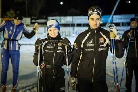 ETTERLENGTA: Guri Line Brekke (14) og Brage Burø Sunde (20) og langrennsgruppa fekk torsdag årets første fellestrening på snø på Langeland.