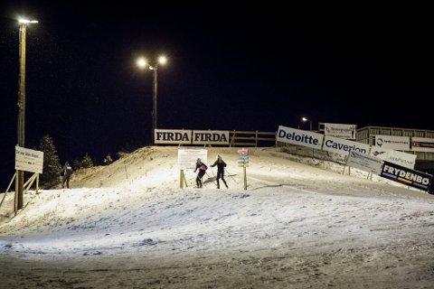AKTIVITET: Tildelingene vises igjen gjennom den store aktiviteten som gjenspeiler seg over hele landet, også med mange flotte tiltak i Sunnfjord kommune, skriv artikkelforfattarne. Bildet er frå skitrening på Langeland i vinter.