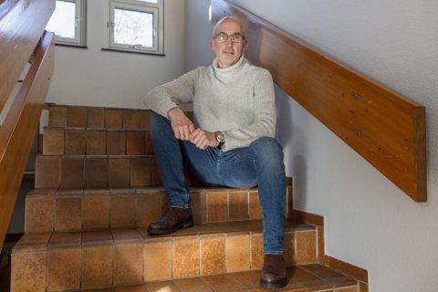 INSPIRATOR: Gert Runar Rørvik blir kalla ein inspirator av Ungt Entreprenørskap Vest. Dei har kåra han til årets lærar i entreprenørskap i Vestland fylke. No er han nominert til den landsdekkande finalen.