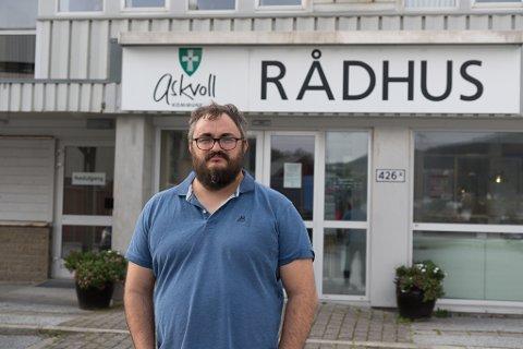 KONTOROLL: Ordførar i Askvoll kommune Ole André Klausen seier dei har oversikt over smitten i kommunen, og at dei har kontroll på situasjonen.