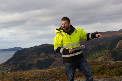 SØKER ETTER FOLK: Fire nye stillingar innanfor driftsorganisasjonen i Nordic Mining, prosjekt Engebøfjellet, er lyste ut. Kenneth Nakken Angedal seier dei ønsker å styrke drifta med å doble staben.