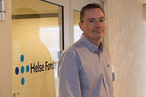 SMITTEVERN: HR-direktør Arne Skjelten i Helse Førde seier helseføretaket har bestemt å avlyse julearrangement i år av omsyn til smittevern.