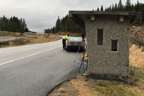 DYR KØYRETUR: Denne bilsten vart vinka inn etter å ha blitt målt til 101 km/t. Han var heller ikkje åleine i å bli teken denne fredagen.