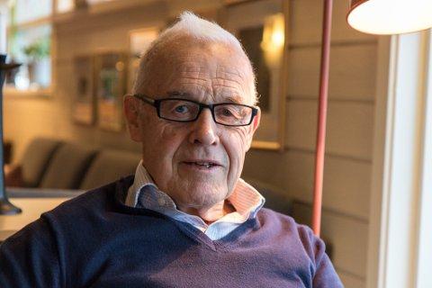 BANKSJEF: Tidlegare banksjef Anders Sølvberg (81) har fått medhald i tingretten: Sparebanken Sogn og Fjordane har rekna feil når dei rekna ut pensjonsgrunnlaget hans. Banken er dømd til å betale 1,4 millionar kroner.