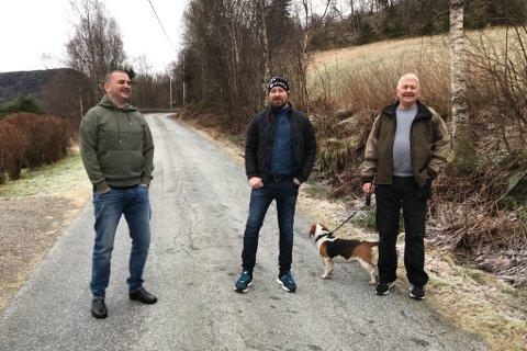 STYRET: Frå venstre Kennet Vik, Helge Fitje og Jan Jarstad. Dei utgjer styret i Jarstadvegen grendalag.