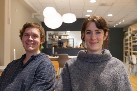 KAFFIDUO: Kjetil Russenes (29) og Rena Noordermeer (36) skal drive serveringsstaden i lag. Ho flytta frå Nederland til Vevring for to år sidan.