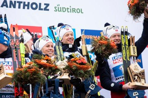 VM-GULL: Desse fire, Marte Olsbu Røiseland, Tiril Kampenhaug Eckhoff, Tarjei Bø og Johannes Thingnes Bø gjekk inn til siger i blanda stafett i Antholz i Italia i dag.