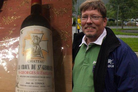 GIR VEKK: Jens Friis vil donere vekk ei sjeldan vinflaske til den årlege auksjonen for Ridderrennet på Beitosstølen.