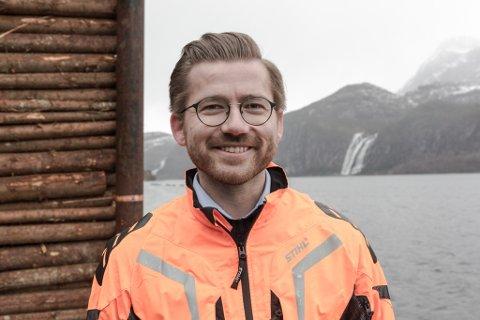 VIL BLI LEIAR: Sveinung Rotevatn frå Nordfjordeid kunngjorde onsdag at han stiller til val som Venstre-leiar. I tillegg til kulturminister Raja har òg næringsminister Iselin Nybø og kunnskapsminister Guri Melby vorte trekt fram som aktuelle leiarkandidatar.