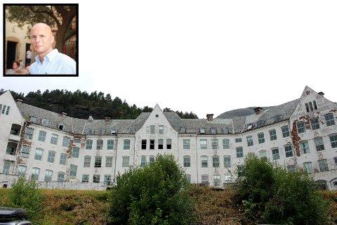 KONKURS: Styreleiar Harald Reigstad (innfelt privat foto) har meldt oppbod i selskapet Harastølen Holding AS som eig sanatoriet, området rundt og fallrettar. Dermed spøkjer det for planane om hotell på Harastølen.