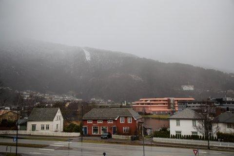 GRÅVÊR: Det blir byevêr reten av dagen i Sunnfjord og omlag.