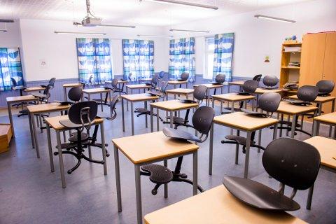 – Eg er imponert over korleis både lærarane og elevar har kasta seg rundt for å halde skulekvardagen i gang sjølv om skulebygga er stengde, seier kunnskaps- og integreringsminister Guri Melby.