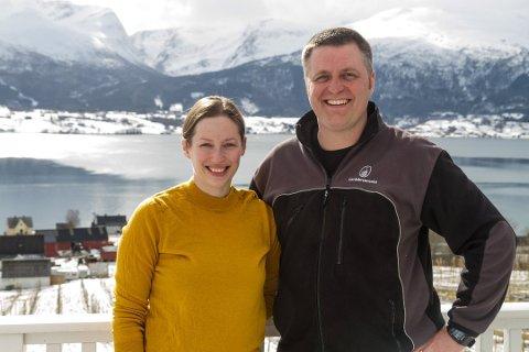 INGENIØRAR MED BRENNERI: Synnøve Vik Bergstad (40) og Jann Vestby (40) forlét ingeniørjobbar og storby for å starte gardsbrenneri på bygda.