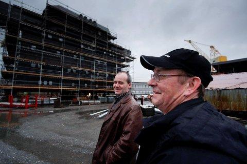 NY SJANSE: I 2007 (bildet) bygde Konnerud Consulting West og to av leiarane og eigarane, Geir Førsund (t.v.) og Ove Hove overbygg til verftet i USA.
