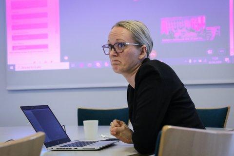 PROBLEM: Ass. kommunedirektør Lise Mari Haugen presenterte dei første prognosane for korleis koronaproblema slår ut økonomisk for kommunen.