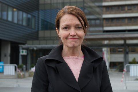 TO INNLAGDE: Per no er det to pasientar som er innlagde med COVID-19. Det fortel fagdirektør i Helse Førde, Trine Hunskår Vingsnes.