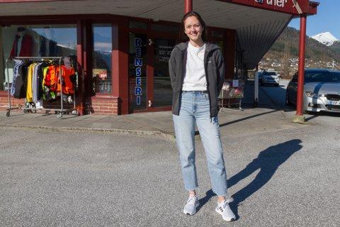 BRATT LÆRINGSKURVE: Elin Alme (32) begynte som dagleg leiar hos Jobbpartner i Førde januar.