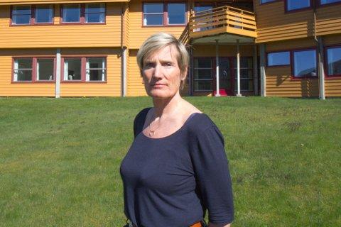 KRYSSAR FINGRANE: Leiar ved Haugland rehabiliteringssenter, Inger Johanne Osland.