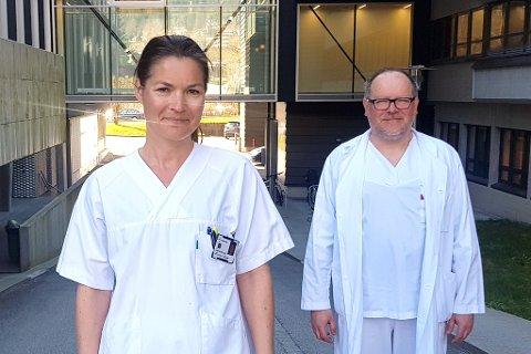 MED PÅ STUDIEN: Studiekoordinator Kristin Vassbotn Guldhav og lokal hovudutprøvar, dr. Pawel Mielnik.