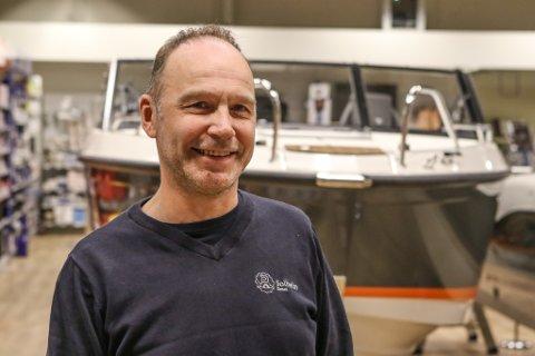 SEL GODT: Kurt Hellesen og Solheim Diesel har selt bra med båtar den siste tida.