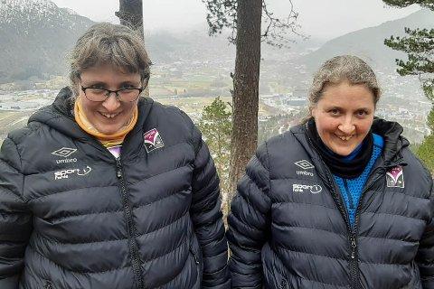 JUBILANTAR: Dei to damene har to jubileum i år. Dei fyller 40 år, og har vore med i 4H i 30 år. F.v.: Anita Halbrend og Helen Halbrend.