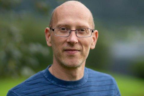 Leif Jarle Espedal tok i helga imot pris på vegner av SoFjo Pride.