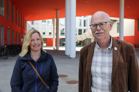 DEMONSTRASJON: – Viss utbyggarane får konsensjon, er det heilt garantert at vi kjem til å demonstrere, seier Einar Rysjedal og Liv Irene Systad frå Motvind Synnfjord og Ytre Sogn.